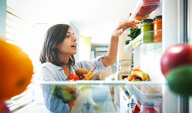 Nettoyer votre refrigérateur est une corvée ?